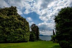 Garten schöne Ansicht Isola Bella mit Vögeln stockfoto