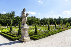 Garten-Skulptur im Wilanow-Park in Warschau Stockfotos