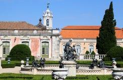 Garten und Brunnen des nationalen Palastes, Queluz Lizenzfreies Stockbild