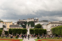 Garten und Schloss Lizenzfreie Stockfotos