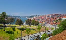 Garten und Stadt Morro scape von Porto Lizenzfreies Stockfoto