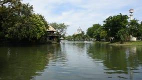 Garten von Dusit-Zoo oder von Khao-Lärm mit Thron Hall Ananta Samakhom stock video footage