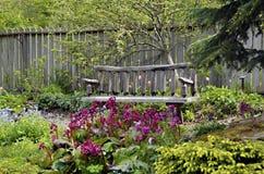 Gartenbank Stockfoto