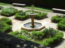Gartenbrunnen Stockbilder