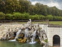 Gartenbrunnen in königlichem Palast Casertas lizenzfreies stockbild