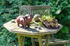 Gartenidylle, wooden table Stock Images