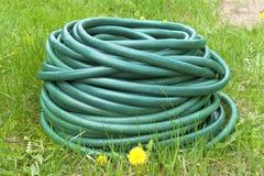 Gartenschlauch für Wasser Lizenzfreies Stockfoto