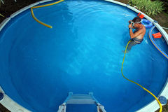 GartenSwimmingpool Lizenzfreie Stockfotografie