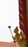 Garuda chwyta pochodnia w Buddyjskiej świątyni obrazy stock