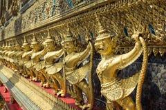 Garuda d'or de Wat Phra Kaew à Bangkok, Thaïlande Photographie stock libre de droits
