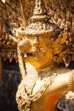 Garuda d'or de Wat Phra Kaew à Bangkok, Thaïlande Photos stock