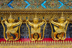 Garuda de oro Fotos de archivo