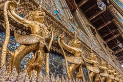 Garuda dourado de Wat Phra Kaew Fotografia de Stock