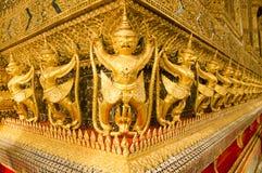 Garuda in Groot Royal Palace van Thailand om te vinden Stock Afbeeldingen