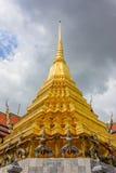 Garuda och pagod Arkivfoton