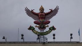 Garuda staty, tillståndssymbol av den thailändska kungliga personen arkivfoto