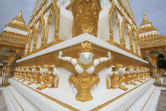 Garuda und hamuman Dekorationen angebracht auf Pagode Lizenzfreies Stockbild