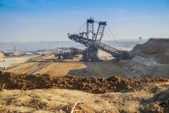 GARZWEILER, GERMANIA - 15 AGOSTO 2015: La miniera a cielo aperto breve prima dell'attività di dimostrazione comincia Fotografie Stock