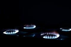 Gas bruciante sulla stufa di gas della cucina Fotografia Stock