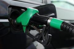 Gas costoso, combustible tanking Imagen de archivo