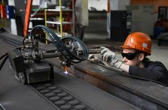 Free Gas Cutting And Welding Of Metal In The Factory. Stock Photography - 106946102