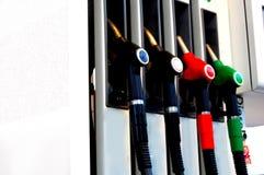 Gas e distributore di benzina Immagini Stock Libere da Diritti