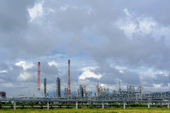Gas-kemikalie komplex på polypropyleneproduktion Royaltyfri Fotografi