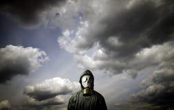 Gas mask Tema de la supervivencia fotografía de archivo