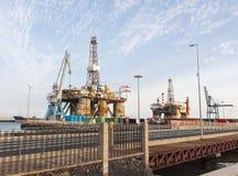 Gas och oljeplattformplattform i porten av Tenerife Arkivfoto
