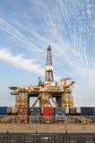 Gas och oljeplattformplattform i porten av Tenerife Arkivbilder