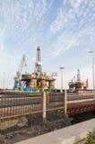 Gas och oljeplattformplattform i porten av Tenerife Arkivfoton