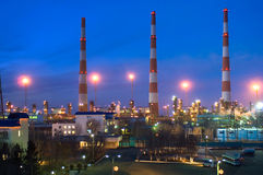 Gas-processing a factory in the evening Royalty Free Stock Photo