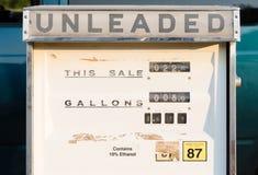 Gas-Pumpen-nicht verbleite mechanische Weinlese-veraltete Ausstattung Stockbilder