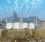 Gas som bearbetar fabriken Royaltyfria Bilder
