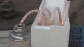 Gascondensatie door vloeibare stikstof stock videobeelden