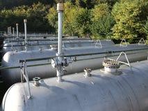 gasdrukschepen voor de opslag van brandbaar aardgas stock foto