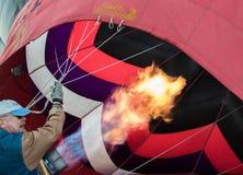 Gasen herauf den Ballon Stockfotografie
