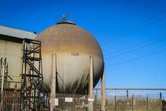 Gasformigt grundämnebehållare i fabriken, North Yorkshire Arkivbild