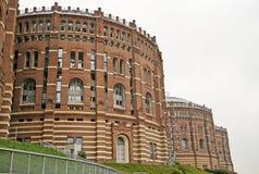 Gasklockabyggnader, i att puttra området, Wien, Österrike Royaltyfri Bild