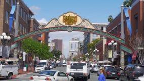Gaslamp-Viertel in San Diego Downtown - Kalifornien, USA - 18. M?rz 2019 stock video