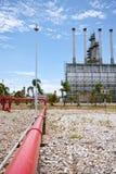 Gasleiding aan raffinaderijinstallatie Royalty-vrije Stock Foto