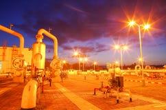 Gasoduto na noite Imagem de Stock Royalty Free