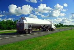 Gasolina de pressa do caminhão Imagens de Stock