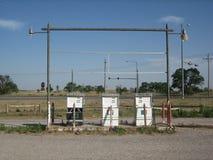 Gasolinera abandonada Imágenes de archivo libres de regalías