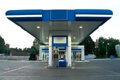 Gasolinera en el día sin el coche Imágenes de archivo libres de regalías