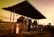 Gasolinera retra Imagen de archivo libre de regalías