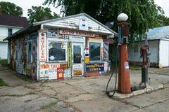 Gasolinera retra del viejo vintage