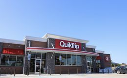 Gasolinera y colmado de QuikTrip fotos de archivo