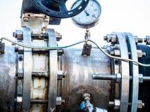 Gaspedaal en verbinding van de motor de het automatische klep stock fotografie