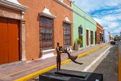 Gasse der historischen Mitte von Campeche Mexiko lizenzfreies stockbild